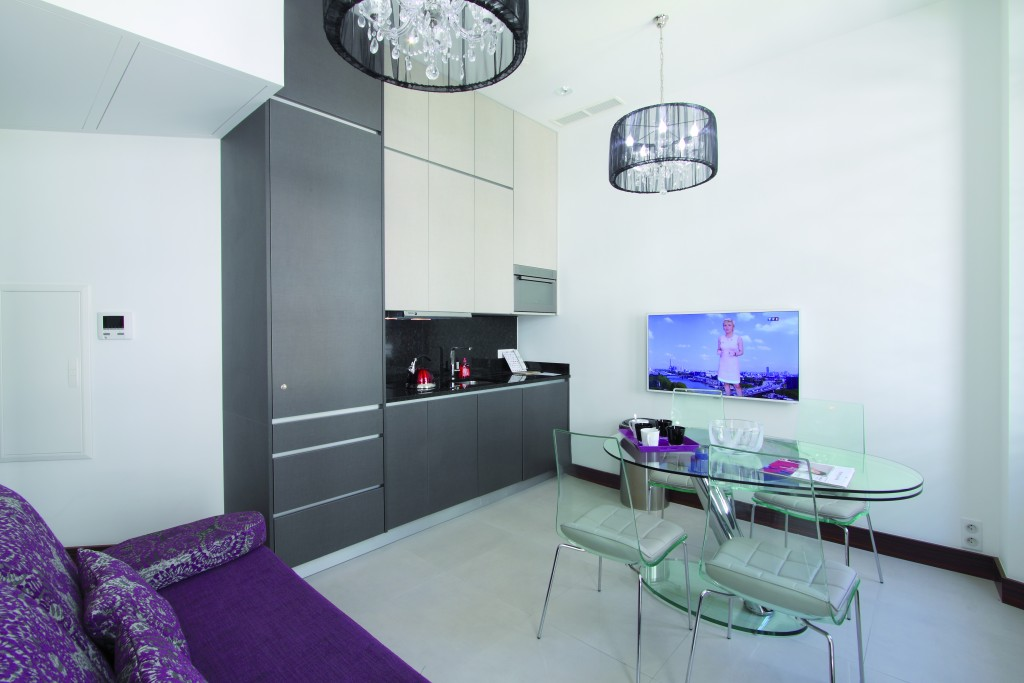 appartement 2 pi ces h tel de paris 4 cannes golden tulip. Black Bedroom Furniture Sets. Home Design Ideas