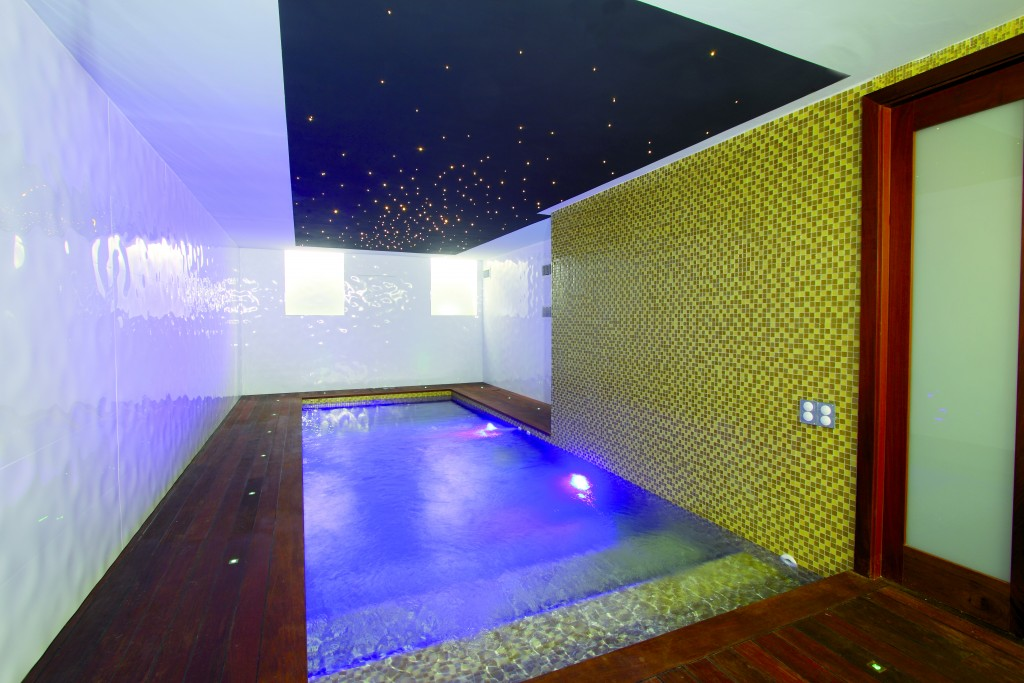 Hamman piscine int rieure for Appartement piscine paris