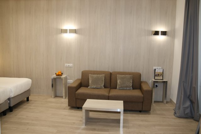 Suite with Lounge side