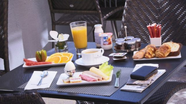 – 5% extra discount with breakfast