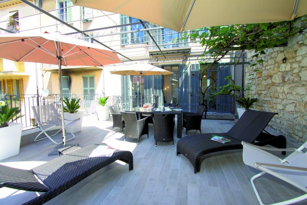 appartement 3 pi ces la terrasse hotel cannes h tel de paris 4 centre ville cannes. Black Bedroom Furniture Sets. Home Design Ideas